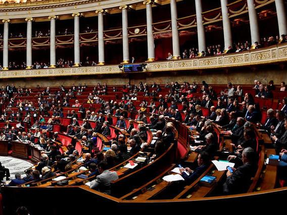 Frais de mandat: cinq sénateurs et deux députés dans le viseur de la justice