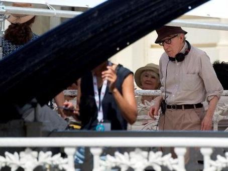 Woody Allen retire sa plainte contre Amazon