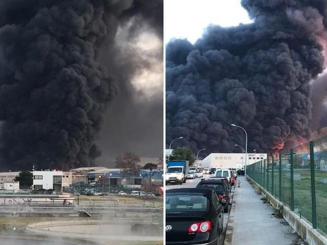VIDÉOS - Une usine chimique en feu près de Barcelone, des milliers d'habitants confinés