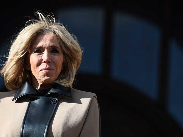 """Brigitte Macron fait la rentrée de """"son"""" école pour jeunes adultes"""