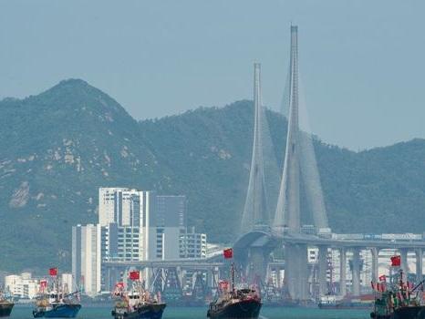 """Hong Kong: Carrie Lam salue le """"retour de la paix"""" pour la fête nationale chinoise"""