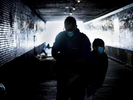 Le risque de pauvreté plus important à Bruxelles et dans le Hainaut