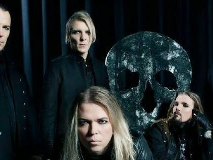 Apocalyptica : Sad But True (Metallica cover) (clip live officiel)