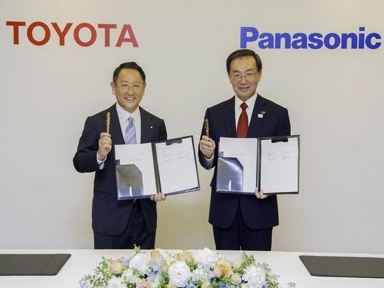 Toyota et Panasonic annoncent une coentreprise pour les batteries