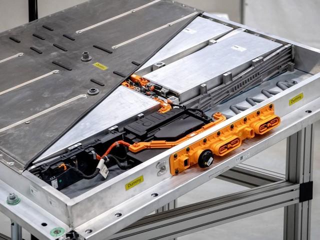 """L'UE autorise une aide publique de 3,2milliards d'euros pour développer un """"Airbus des batteries"""""""