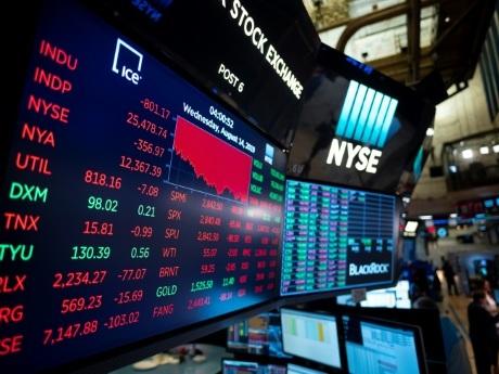 Wall Street hésite dans un marché nerveux et volatile