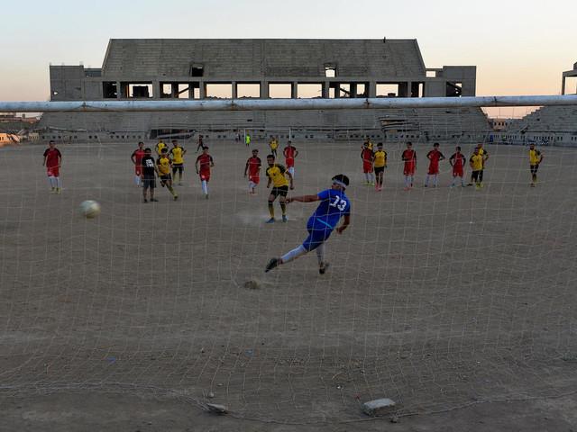 A Mossoul, même sans stade, le foot veut faire son retour en championnat