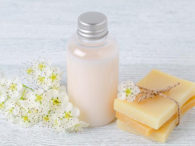10 shampoings naturels pour laver vos cheveux