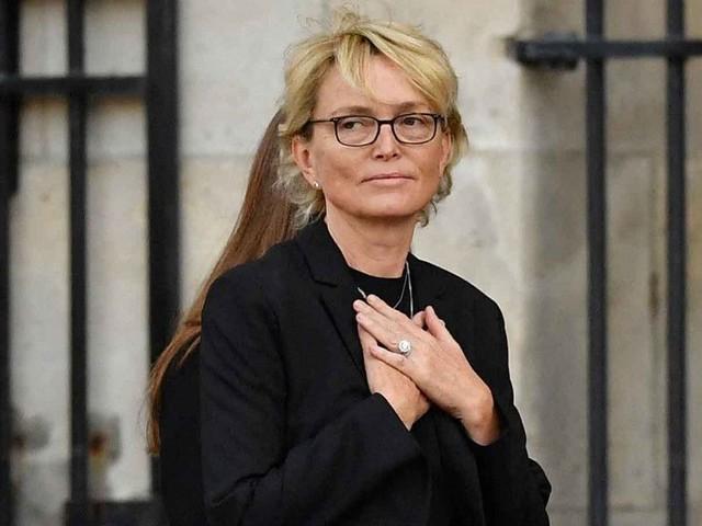 """Claude Chirac craque après les régionales : sa """"très forte émotion"""" pour ses parents, Jacques et Bernadette"""
