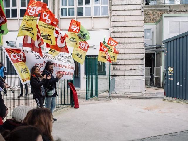 Soutien aux grévistes : la barre du million d'euros a été franchie sur une cagnotte en ligne lancée par un syndicat CGT