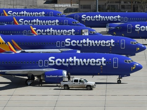 Boeing repousse à janvier un éventuel retour dans le ciel du 737 Max