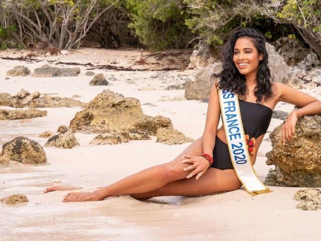 Miss France Clémence Botino, sublime en Guadeloupe