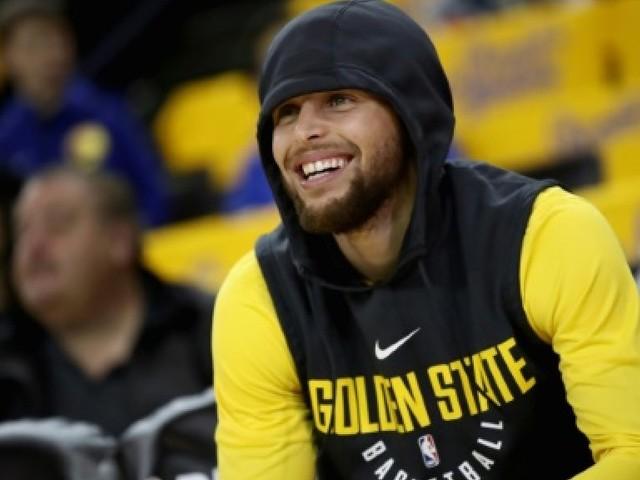 NBA: Le meneur de Golden State Stephen Curry de retour à l'entraînement samedi