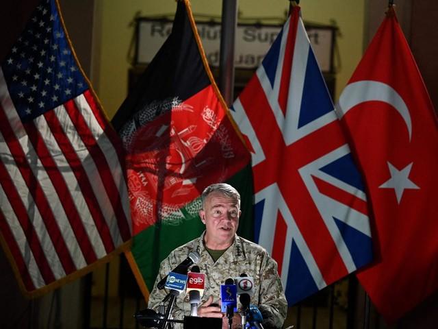 Les États-Unis poursuivront leurs frappes aériennes en Afghanistan si l'offensive des talibans continue