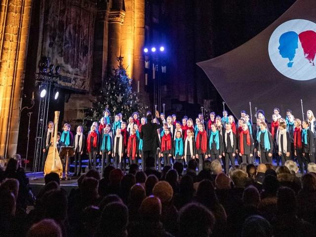 À Strasbourg, un hommage émouvant un an après l'attentat du marché de Noël