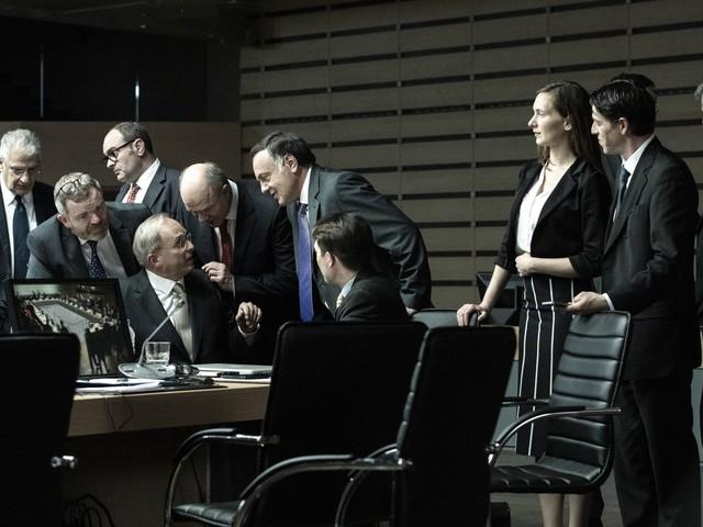 «Adults in the Room» sur Canal+ : la crise grecque vue par Costa-Gavras