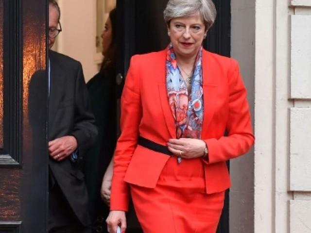 May, sans majorité absolue, veut un gouvernement pour réussir le Brexit