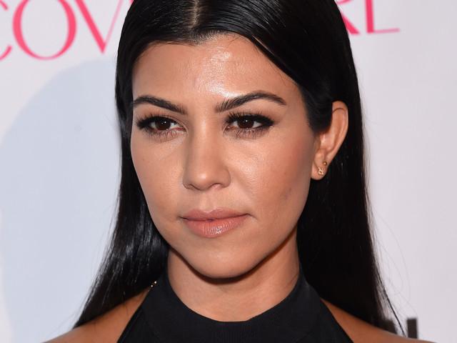Kourtney Kardashian répond cash au tâcle violent d'un internaute sur Twitter