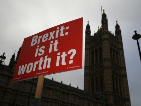 Brexit: les défenseurs d'un second référendum se sentent pousser des ailes