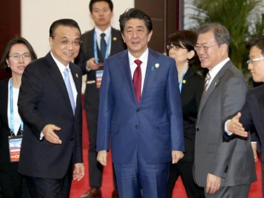 La Chine organise un sommet avec le Japon et la Corée du Sud
