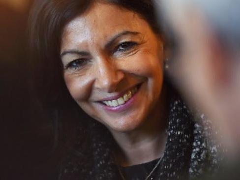 Honneur au courage malheureux : Anne Hidalgo a capitulé concernant la sépulture de Michel Déon