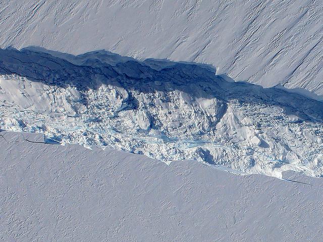 Le plus grand glacier de l'Antarctique continue à fondre, mais pas aussi vite que prévu