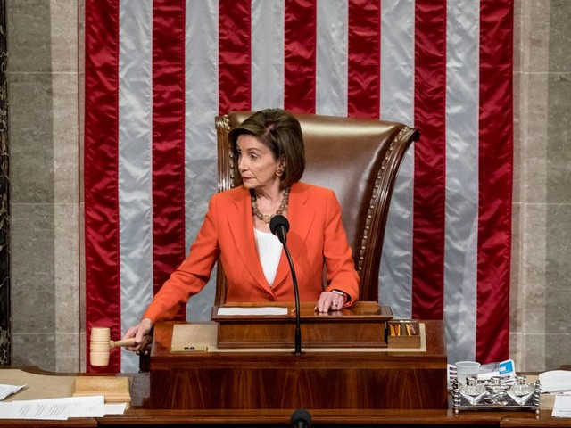 Destitution de Trump: Pelosi annonce la rédaction de l'acte d'accusation
