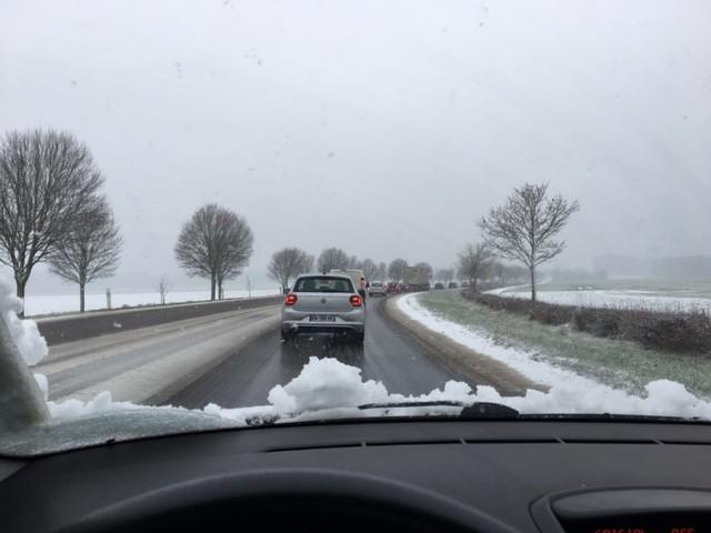 Neige et verglas dans l'agglomération de Vernon : la météo perturbe la circulation