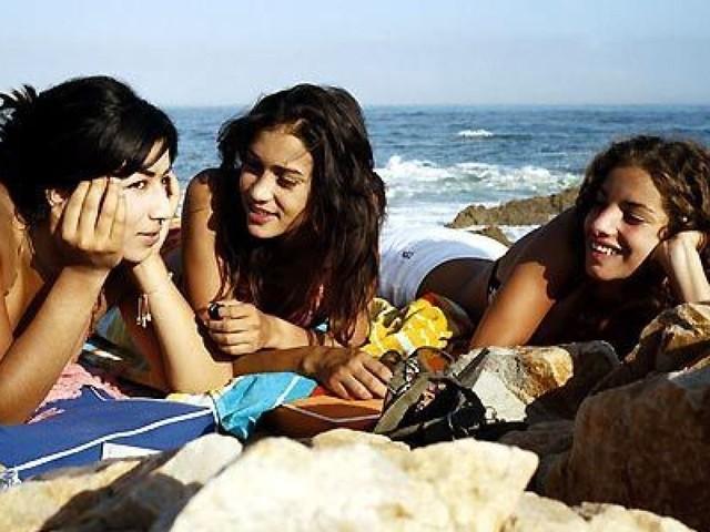 Entre jeunesse dorée et jeunesse tout court, comment je vis mon adolescence au Maroc