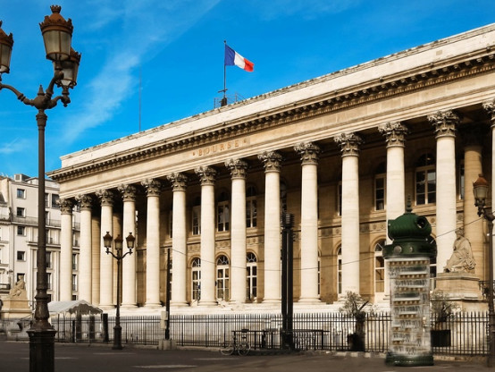 La Bourse de Paris finit la semaine le moral en berne (-1,22%)
