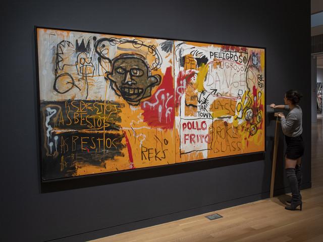 Art contemporain: 284 enchères millionnaires, la moitié des oeuvres à moins de 1.000 dollars
