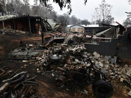 Feux en Australie: les pompiers redoublent d'efforts avant la prochaine vague de chaleur