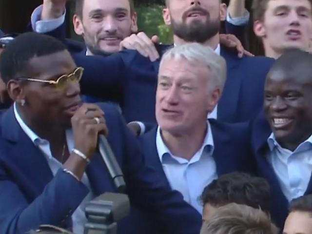 Les images du show de Paul Pogba, invité avec les autres champions du monde à l'Élysée