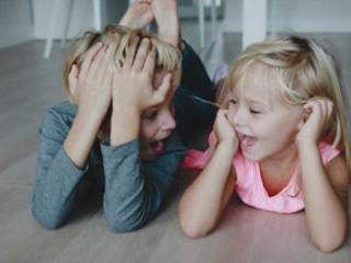 Comment nos frères et sœurs façonnent notre personnalité