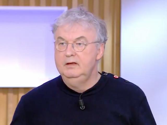 Dominique Besnehard revient sur la fois où Béatrice Dalle a confronté Patrick Poivre d'Arvor à la télévision