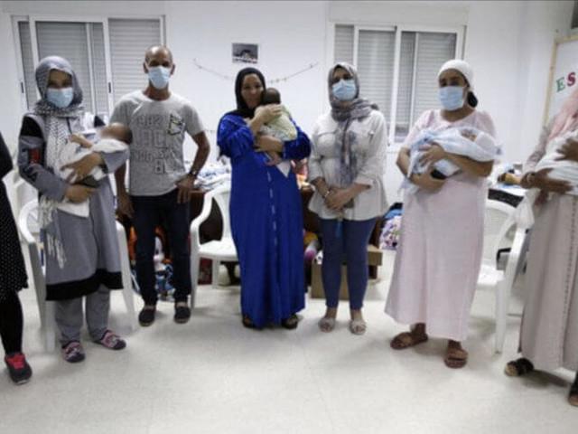 Maroc : 5 travailleuses rapatriées d'Espagne avec leurs nouveau-nés