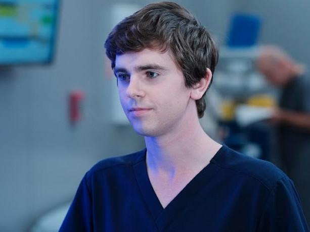 Audiences prime 25 septembre : « Good Doctor » conserve la tête devant « Alex Hugo »