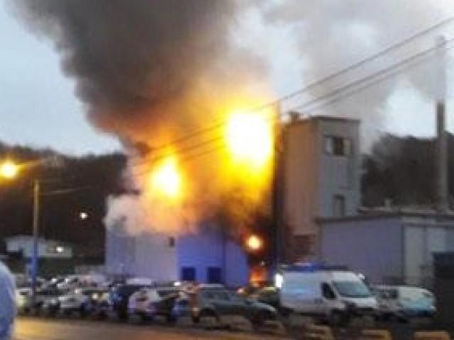 Gros incendie à l'usine Corman: des flammes de 10 mètres de haut