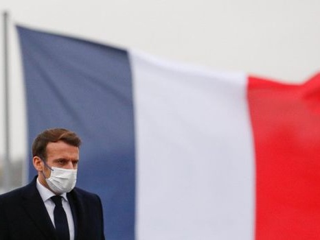 """Les arrière-pensées de Macron: """"On n'a jamais pris des décisions difficiles par référendum"""""""