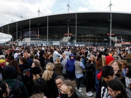 BTS fait souffler un vent de folie sur le Stade de France