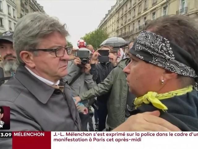 """Jean-Luc Mélenchon qualifie les policiers de """"barbares"""", des propos jugés """"indignes"""" par les forces de l'ordre"""