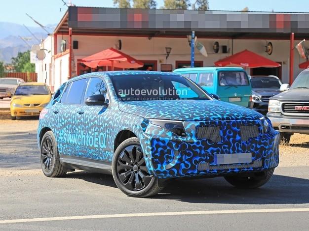 Le futur SUV électrique Mercedes fait sa campagne