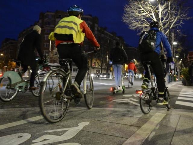 """""""Vélotaf"""": avec la grève, une génération de convertis au tout vélo"""