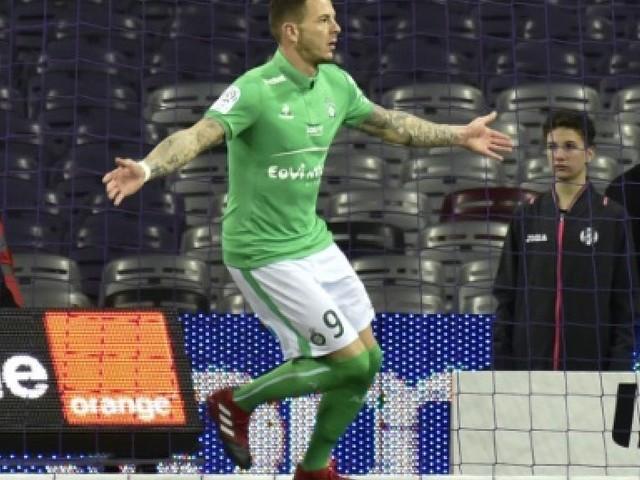 L1: l'attaquant Nolan Roux signe trois ans à Metz