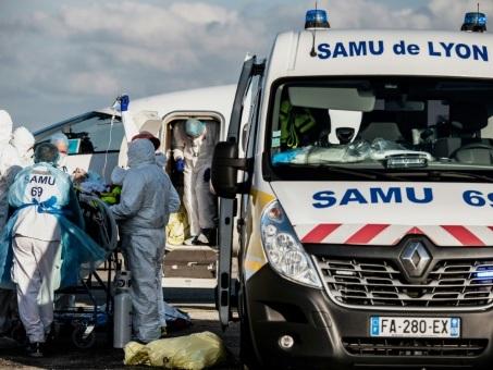 Covid-19: bientôt 80.000 morts en France, les variants inquiètent toujours
