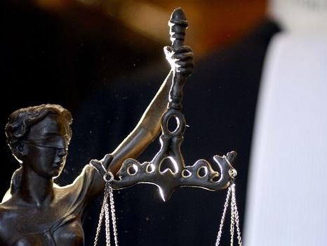 Théo Luhaka, symbole des violences policières, mis en examen dans une affaire d'escroquerie