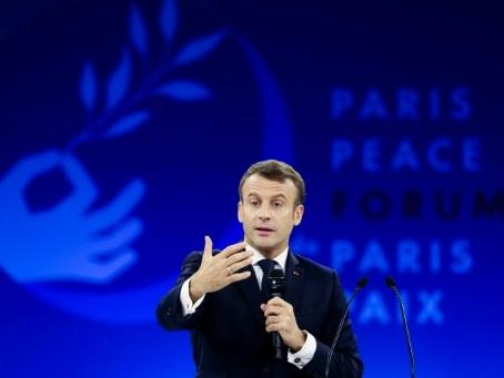 """Otan : Macron accuse de """"pudibonderie et d'hypocrisie """" ceux qui refusent les critiques"""