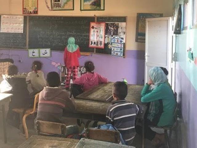 Enseignement: Une bonne orientation pour lutter contre l'abandon scolaire (ENTRETIEN)