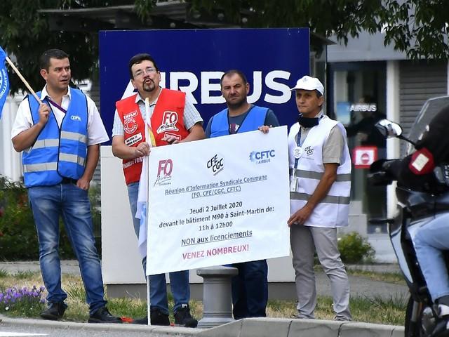 À Toulouse, les salariés d'Airbus manifestent pour éviter les suppressions de postes