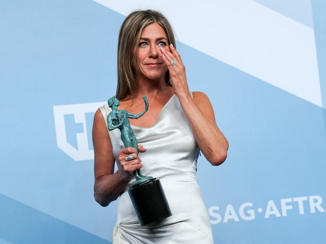 Jennifer Aniston : Florence Foresti a adoré ses tétons apparents aux SAG Awards
